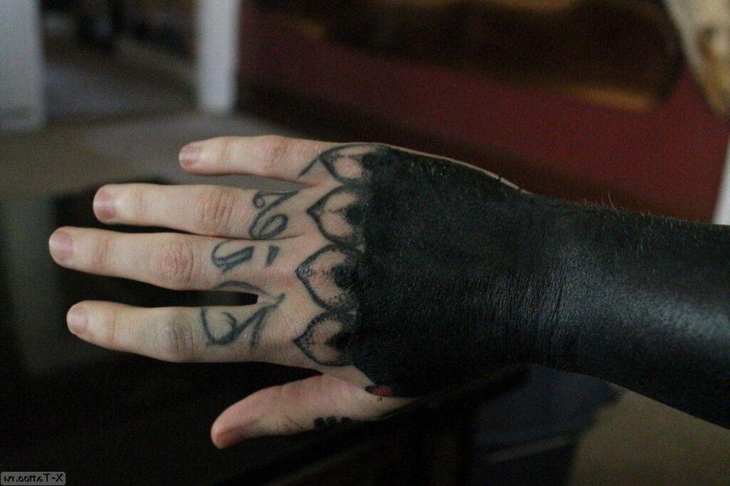 mano y antebrazo pintados