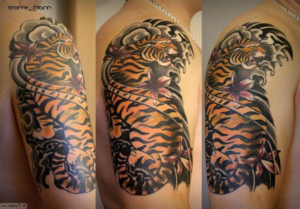 tigre en el hombro