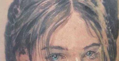 Circe Tattoo retrato realistico de mujer