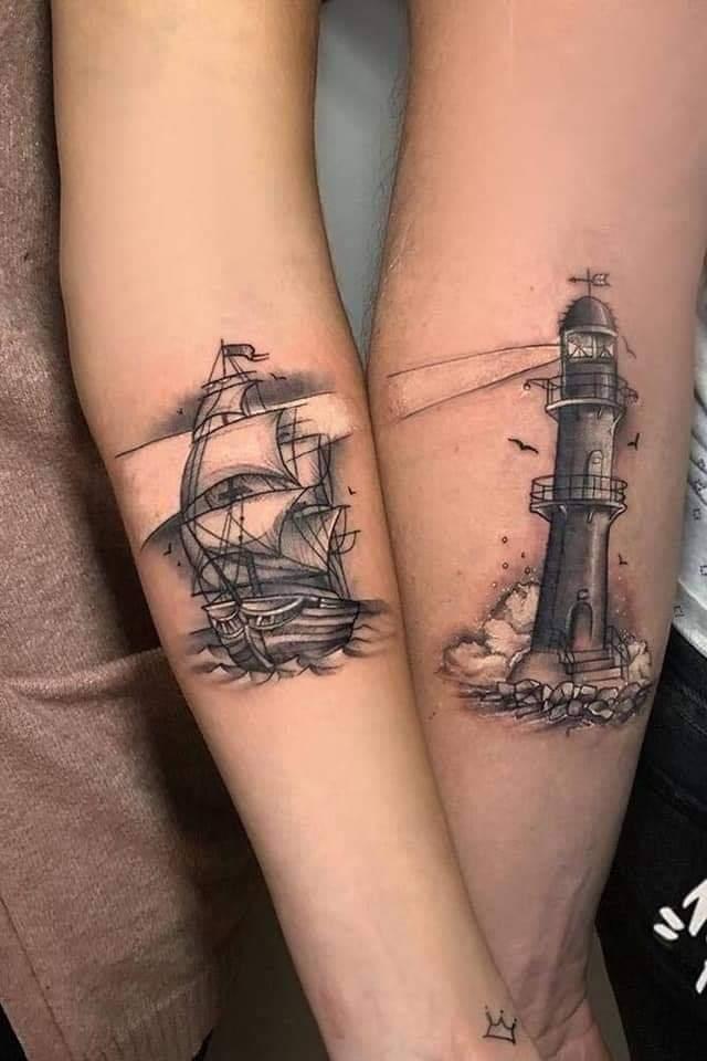 Tatuajes Pequenos para Parejas barco y faro en brazo