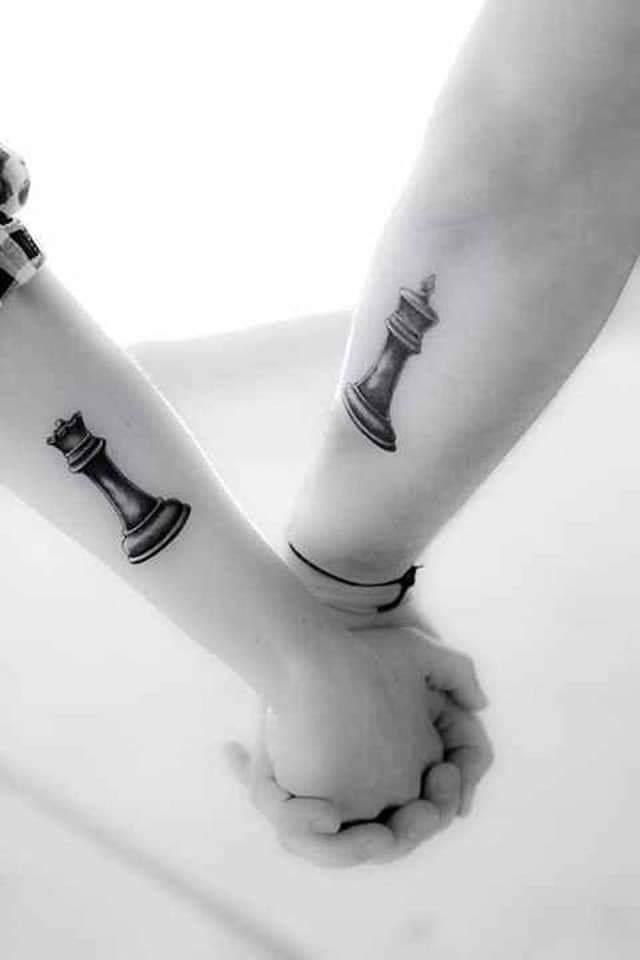 Tatuajes Pequenos para Parejas rey y reina de ajedrez