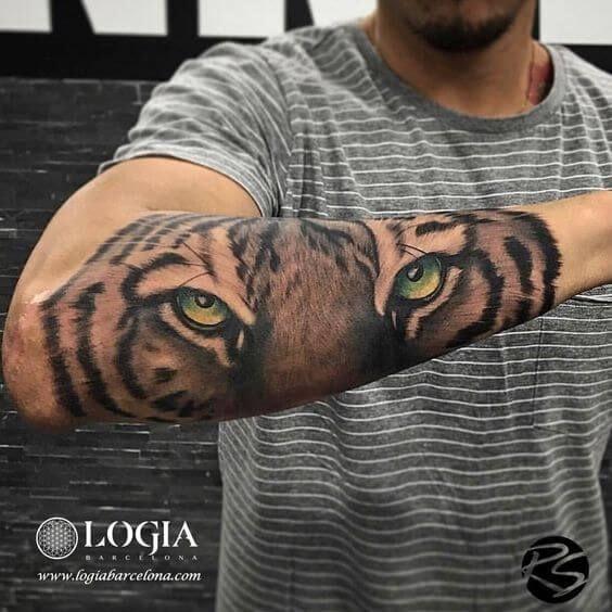 Tatuajes en el Brazo cara de tigre