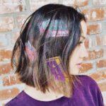 Tatuajes en el pelo patrones geometricos de colores