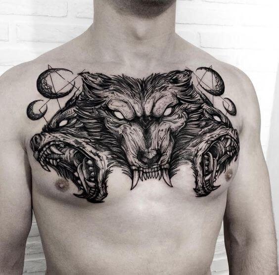 Tatuajes en pecho completo hombre lobo de tres cabezas
