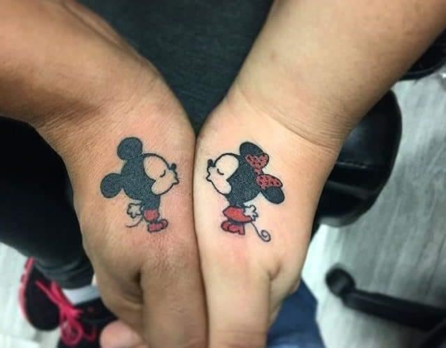 Tatuajes para Parejas Pequenos mickey y minnie