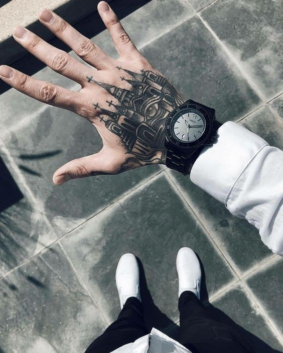Tatuajes para las manos catedral