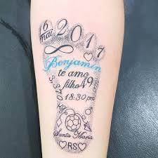 Tatuajes para madres mamas pie del bebe con fechas e inscripciones