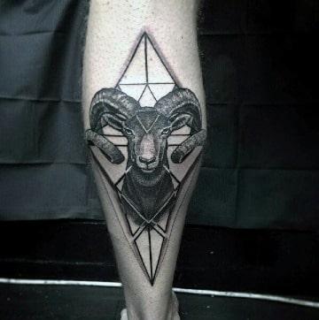 modelos de tatuajes de aries para hombres