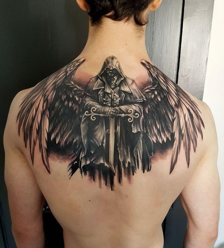 tatuaje espalda completa hombre demonio alado