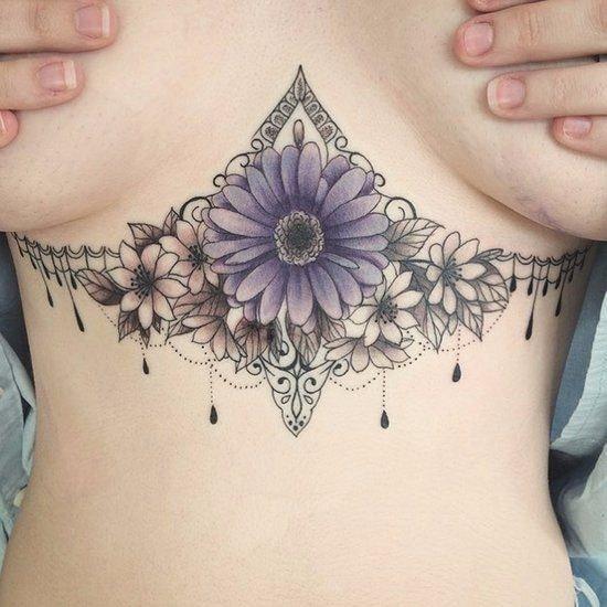 tatuaje pecho mujer mandala y llamador de angeles 2