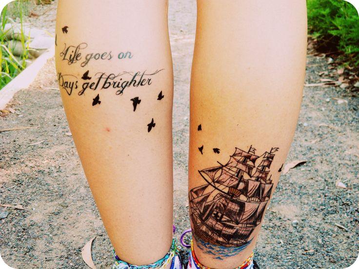 tatuajes de zonas de mujeres pantorrilla barco y pajaros