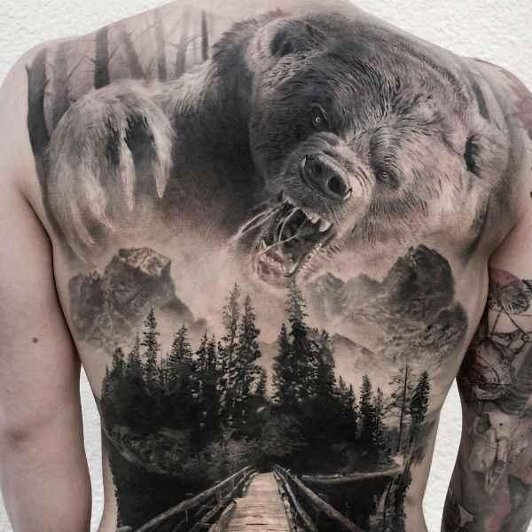 tatuajes y sus significados oso espalda hombre