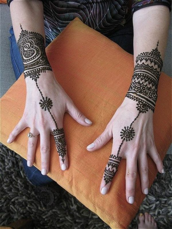zona de tatuajes para mujeres patrones color intenso
